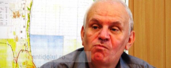 Primarul Nicolae se încăpăţînează să nu semneze acordul între subiect şi predicat