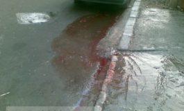 Atac în stil mafiot la Galaţi: tată şi fiu, împuşcaţi şi înjunghiaţi în plină stradă