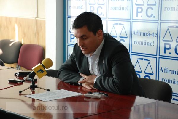 Eduard Grosu promite şi nu se ţine de cuvînt