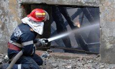 Un pompier mic, chelos şi cu burtă, fugărit cu tot cu biletul lui cîştigător de 11 milioane de euro