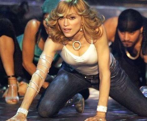 Şi Maradona cînta aseară mai bine decît Madonna