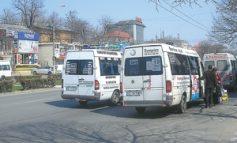 Se înjumătăţeşte numărul de dubiţe, se dublează veniturile mafiei din maxi-taxi
