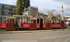 Geoană merge blat cu tramvaiul prin Galaţi