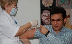 Resmeriţă se vaccinează pe altarul ISJ-ului