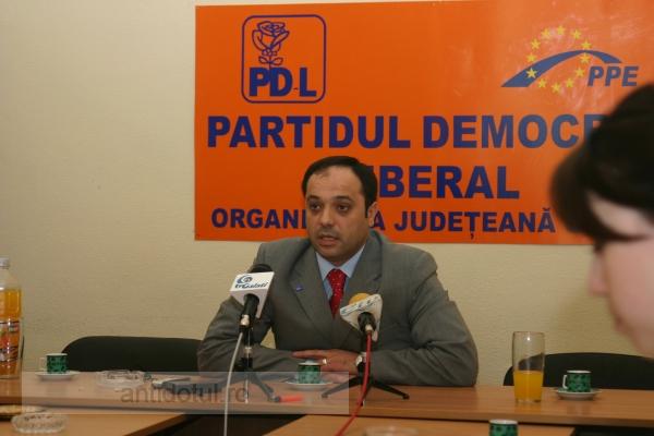 Don Titi s-a ajuns şef la PDL Brăila. În curînd, brăilenii îşi vor plăti taxele şi impozitele la Galaţi