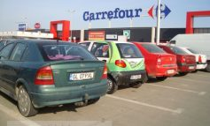 Iar îmi vine să-i înjur pe papagalii de la Carrefour