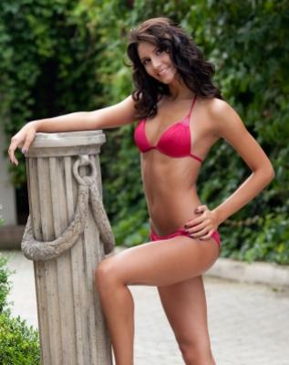 Cătălina Filip a cîștigat Miss Universe România 2010. Ambele candidate din Galați s-au făcut de rîs!