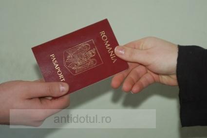 Vrei să renunți la cetățenia română? Te costă cel puțin 800 de euro!
