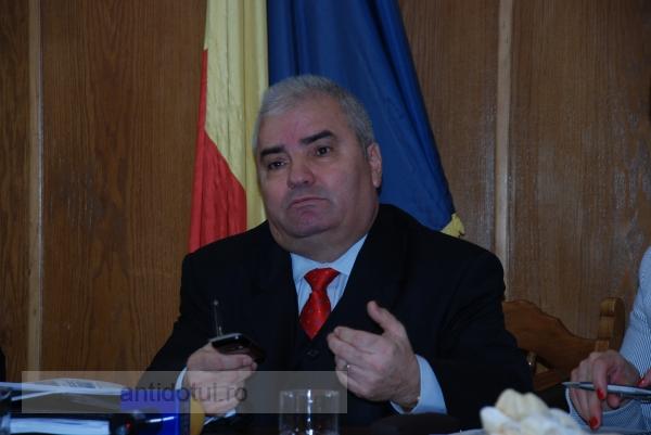 Pe fostul procuror general Dinu Gâlcă de la Galați nu l-a dus mintea că joacă în pelicule filmate de SRI