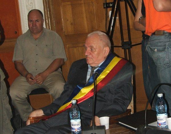 Poziția preferată a primarului Dumitru Nicolae