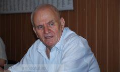 Primarul Mitică și poveștile lui de adormit bugetarii