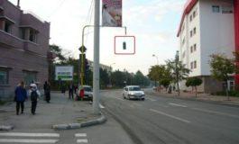 Ce fac șoferii cocalari la semafor