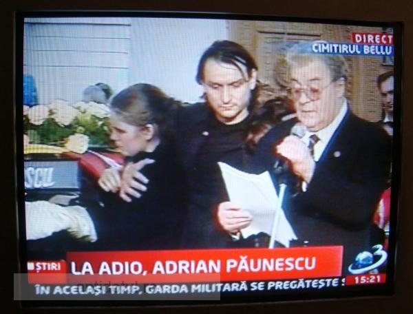 Ce bulan pe capul mortului Adrian Păunescu