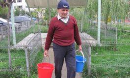 Cum își triplează vînzările trîntorii de la Apă-Canal? Simplu: opresc apa rece!