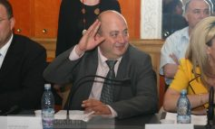 Eugen Găvan, stai jos, ai nota 3!