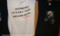 Tricouri inscripționate pentru analfabeți, la hypermarketul Real Galați