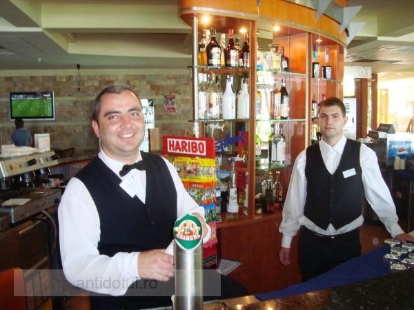Cam cît beau românii în Albena, la all inclusive