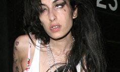 Cauza exactă a morții lui Amy Winehouse. A murit de bătrînețe! (video)