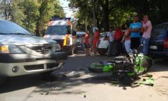 Motociclist spulberat pe str. Domnească, la doi pași de sediul Poliției Rutiere