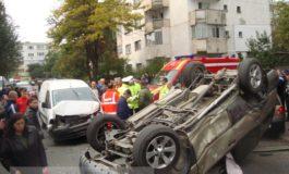 Accident rutier incredibil, la IREG: Nissan Terrano, cu roțile în sus (foto)