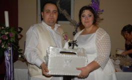 Mire și mireasă din Galați cerșind mila invitaților la nuntă (foto)