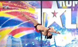"""Uite-o pe Mădălina din Galați cum se rupe în figuri dansînd la bară, la """"Românii au talent"""" (video)"""