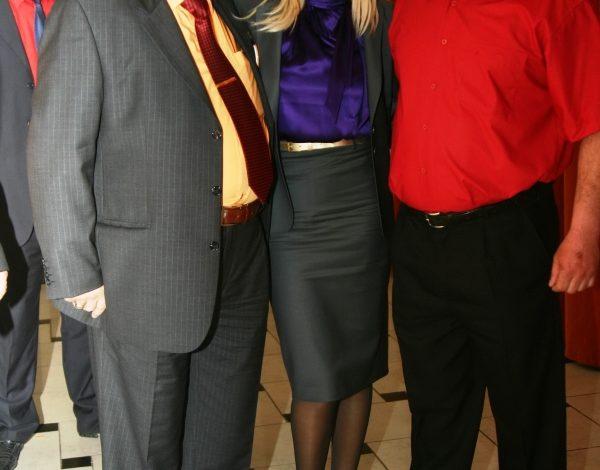Elena Udrea, ședință foto cu doi tîrtani din Galați