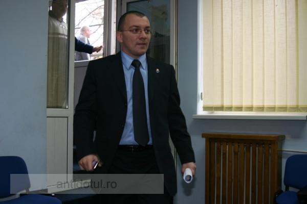 Deputatul Boldea stă să fie arestat. Deocamdată are imunitate