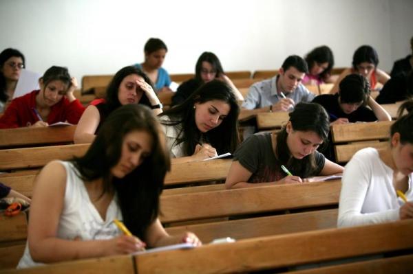 Studiază în Europa, că la noi n-ai viitor!
