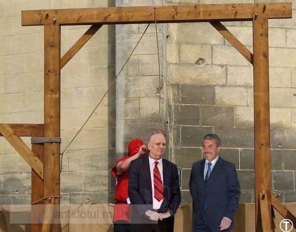 Dan Nica se joacă de-a spînzurătoarea cu primarul Dumitru Nicolae