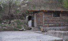 Căsuțe de vacanță în spatele garajelor mansardate