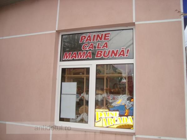 Pîinea de la Arcada – slogan tembel, născocit parcă de patronii Mantu și Humă