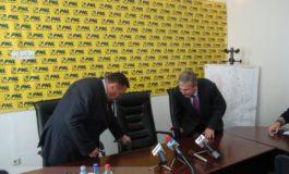 Victor Paul Dobre și Dan Nica au buci în loc de obraji