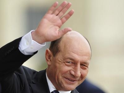 Ar fi bine ca USL să o ia în barbă de la Băsescu