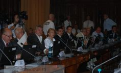 În Consiliul Local, USL votează pe bandă rulantă, într-o armonie totală