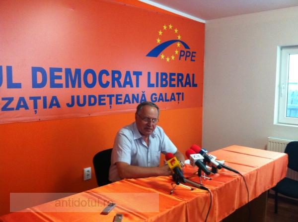 Cîți bani a scos din buzunar zgîrcitul Mircea Toader pentru nedemiterea lui Băsescu?