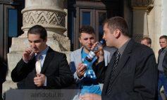 Pîine, muștar, rom și țigări fără filtru la final de mandat