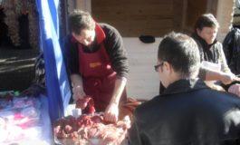 Comercianții își bagă mîna-n carnea noastră!