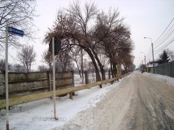 Str. Arcașilor, pe care stau șmecherii Galațiului, a fost curățată lună de zăpadă