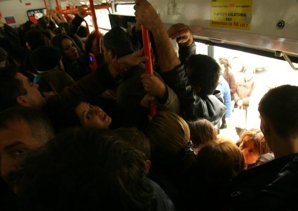 Opriți căldura din autobuze, că m-au disperat pensionarii!