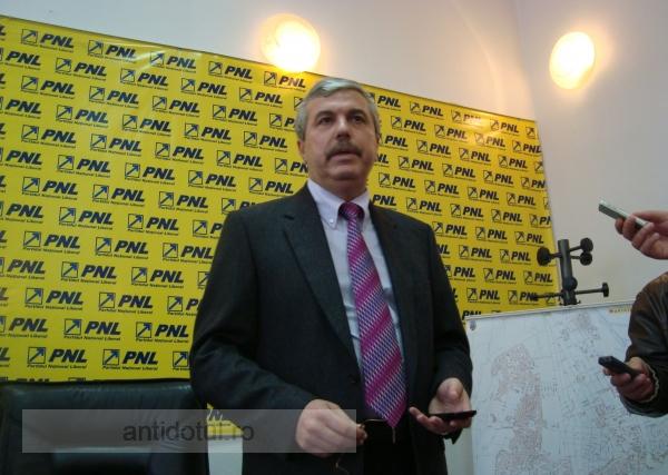 Dan Nica și Gheorghe Saghian de la PSD, cei mai chiulangii parlamentari gălățeni