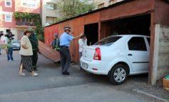 Cît de simplu se demolează garajele în Zalău. În Galați, însă, mafia e mare