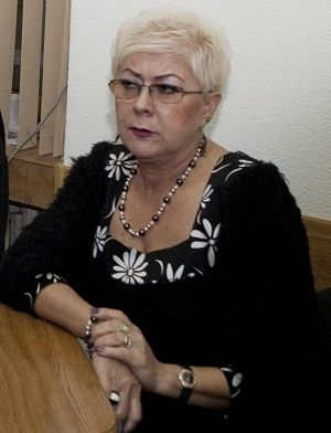 Avocata Domnica Toader, femeia care caută scandalul cu lumînarea