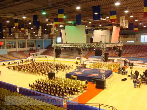 Pe ce s-au cheltuit 125.000 de euro la patinoar, pentru gala de box (foto + video)