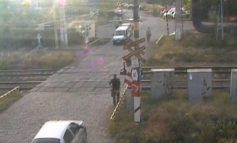 Video cu fratele unui comisar șef din Brăila aruncîndu-se în fața trenului