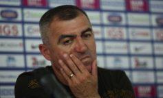 Începînd de mîine, Petre Grigoraș își va da demisia de trei ori pe zi de la Oțelul