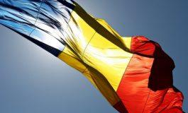 De-a Hopa Mitică cu drapelul național