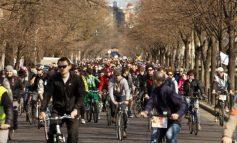 Traseul Caravanei cicliștilor: pe centură pînă la groapa de la Elice