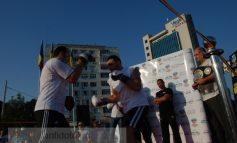 Lumea nu a venit nici gratis ca să îl vadă pe Ciocan dînd cu pumnul pe Faleză (foto)