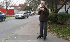La 71 de ani, nea Ion este spaima rollerilor din Galați (foto)